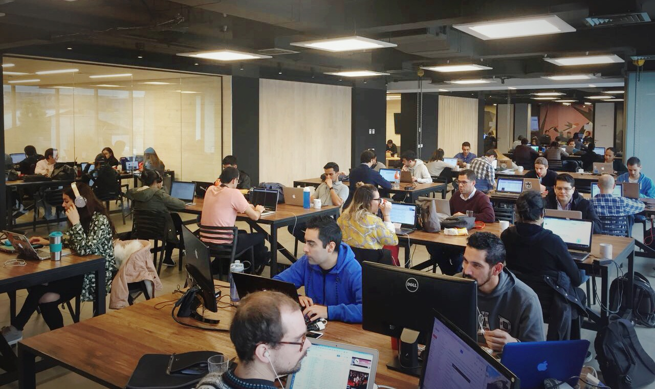 Conversamos junto a la comunidad de Start-Up Chile sobre buenas prácticas y conceptos relacionados a usabilidad web y UX.